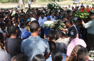 Imágenes del sepelio del patrullero samario Yamith rada Muñoz.