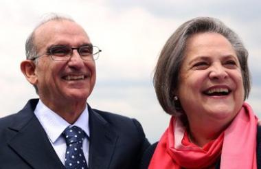 Humberto de la Calle y Clara López.