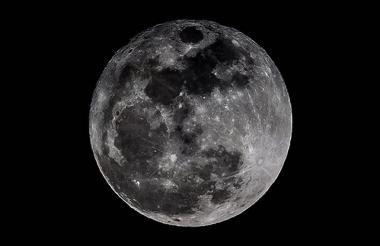 La luna se podrá observar en todo su esplendor a las 7:00 p.m.