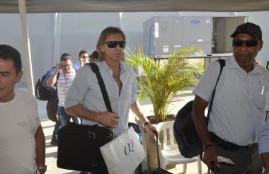 Gareca tras su llegada al Aeropuerto Ernesto Cortissoz.