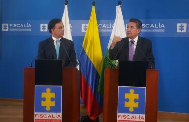 Néstor Humberto Martínez Neira, Fiscal General de la Nación y Juan Carlos Galindo Vácha, Registrador Nacional del Estado Civil.