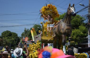 María José Barandica, lidera el desfile.