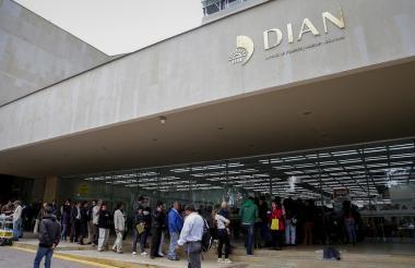 Oficina de impuestos de la Dian en Bogotá.