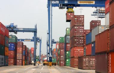 Instalaciones de la terminal de contenedores Contecar, en Cartagena.
