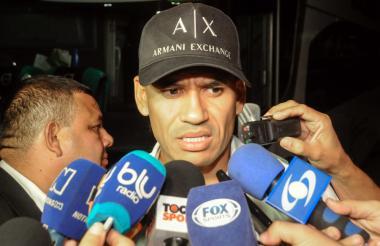 Sergio Otálvaro, lateral colombiano que milita en Olimpia.