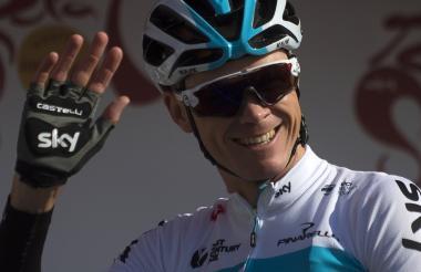El ciclista británico Chros Froome antes de su inicio de competencia en la Ruta del Sol, en Andalucía.