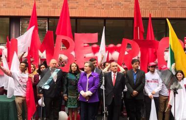 Inscripción de la candidatura presidencial de Humberto de la Calle.