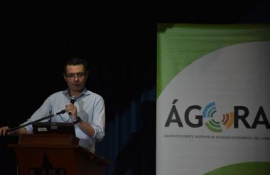 El ministro Gaviria, durante la conferencia en la Universidad del Norte.