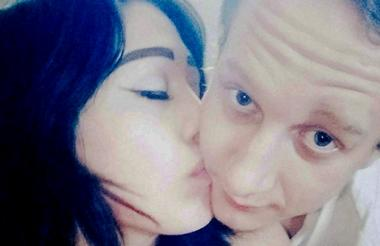 Anastasia Onegina, de 21 años y su novio Dmitry Sinkevich, de 24 años.