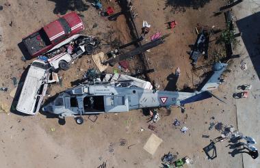 Así quedó el helicóptero tras la caída en el estado de Oaxaca.