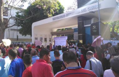 Protesta de estudiantes y trabajadores del pasado 5 de febrero.