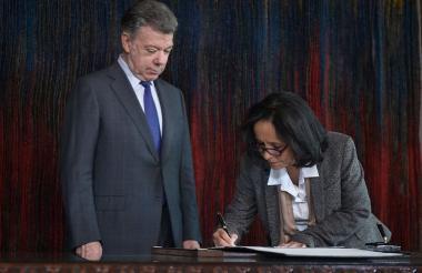 Luz Marina Monzón, directora de la Unidad de Búsqueda de Personas Desaparecidas tomó posesión del cargo.
