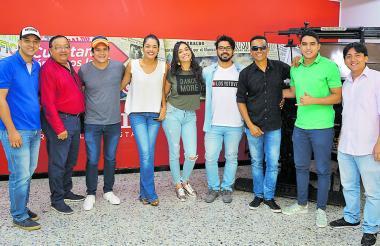 Algunos de los nominados del canal Telecaribe en su visita a EL HERALDO.