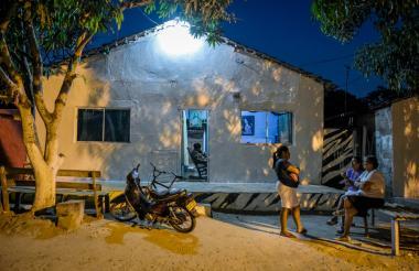 La casa del policía en Baranoa fue pintada de blanco tras su muerte.