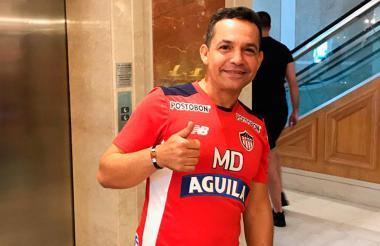 El médico del Junior, Carlos Rolong.