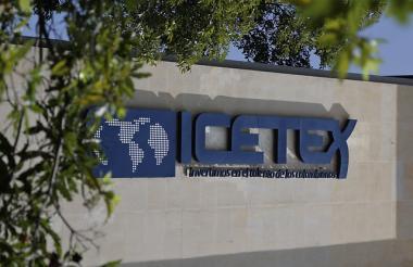 Fachada de un edificio del ICETEX.