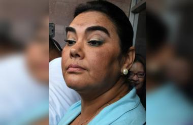 Rosa Elena de Lobo.