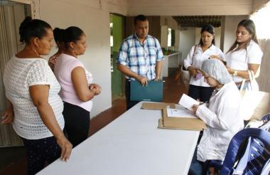 Con el acompañamiento del ministerio de Educación, se verifica la prestación del servicio de alimentación.