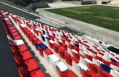 Así luce una tribuna del remodelado estadio Romelio Martínez.