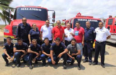 Miembros del Cuerpo de Bomberos de Malambo.