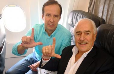Los expresidentes Jorge Quiroga y Andrés Pastrana, luego de ser deportados.