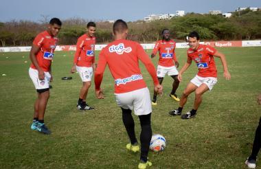 Rafa Pérez, Germán Gutiérrez, 'Teo', Chará y Sebastián Hernández, en el rondo.