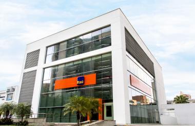 Banco Itaú en Alto Prado.