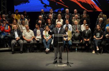 Omar Barboza durante la presentación del Frente Amplio.