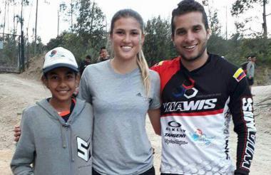 Sofía Arrieta, Gabriela Bolle (centro) y el antioqueño Carlos Ramírez.
