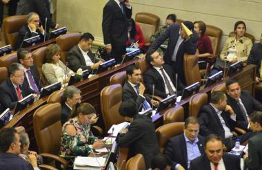 En noviembre de 2017, la Cámara de Representantes aprobó en último debate el proyecto reglamentario de la JEP.