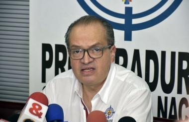 Fernando Carrillo, procurador general de la Nación, durante la rueda de prensa.