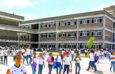 (Foto ilustración) Profesores y alumnos de colegios de algunos sectores denuncian inseguridad en el entorno.