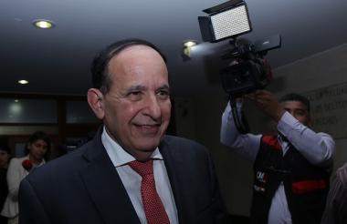 El senador Liberal Álvaro Ashton.