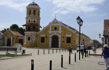 Iglesia de Santa Bárbara, en Mompox, Bolívar, sitio turístico y de peregrinaje.