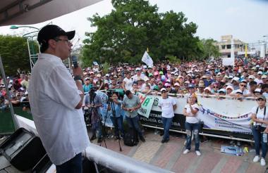 El candidato presidencial Gustavo Petro durante su presentación en Chinú, Córdoba.