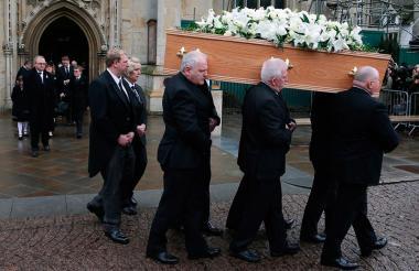 Momentos del funeral privado de Stephen Hawking en Cambridge.