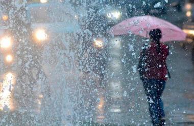 Un aguacero cae en la ciudad de Barranquilla.