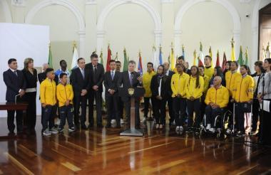 Cerca de 20 deportistas del país asistieron a la radicación de este proyecto de Ley.
