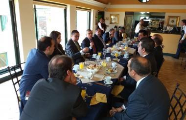 Reunión de bancada de senadores del liberalismo.