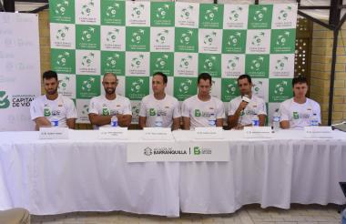 Los tenistas colombianos Robert Farah, Juan Sebastián Cabal, Pablo González (capitán), Daniel Galán, Santiago Giraldo y Alejandro González.