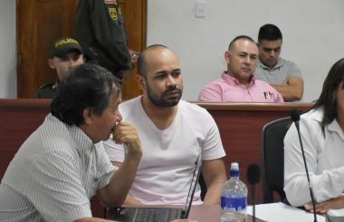 Marlon Carrillo, a su entrada a la audiencia.