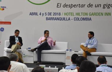 Antonio Vargas Lleras (izq), presidente del Consejo Mundial de Energía Colombia, Germán Arce, Minminas (izq), y Alejandro Lucio, director de SER Colombia durante el cierre del Congreso.