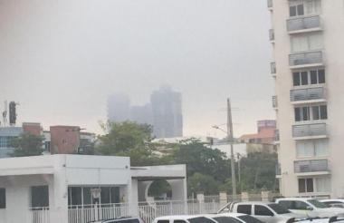 Las quemas llenaron de humo el norte de la ciudad.