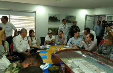 Aspecto del consejo de seguridad en la Sociedad Portuaria de Palermo.