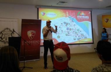 El evento es organizado por la Universidad de la Costa, el club deportivo Free Triatlon y apoyado por la Alcaldía de Barranquilla.