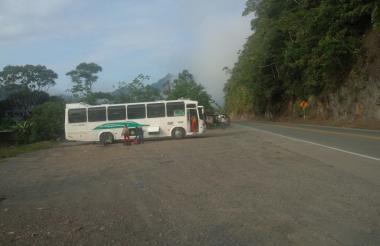 Este es el bus donde se movilizan los luchadores del Atlántico.
