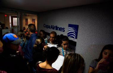 La foto captada el viernes en el aeropuerto de Caracas luego de que Venezuela suspendió las operaciones de la empresa Copa.