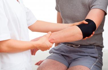 El dolor leve, que aumenta de forma progresiva, son los síntomas de esta patología.