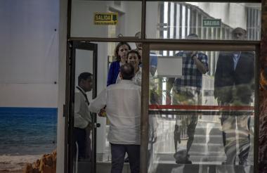 Miembros de la delegación española en las instalaciones de Inassa, en el norte de Barranquilla.