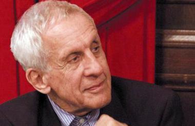 El galardonado es arquitecto, escritor y crítico.